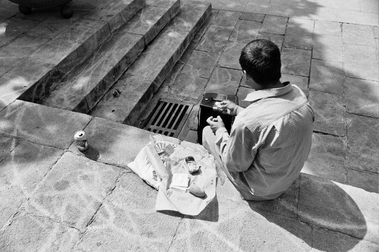 at-lunch-break-barcelona-2004